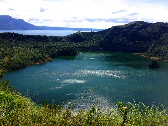 湖に浮かぶ世界一小さな火山!マニラから少し足をのばしてみませんか?