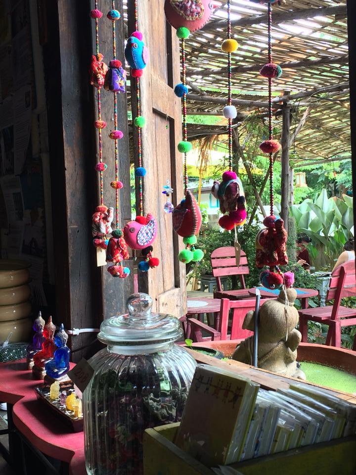 古都チェンマイの古民家カフェでマクロビ&オーガニックフードを楽しむ。