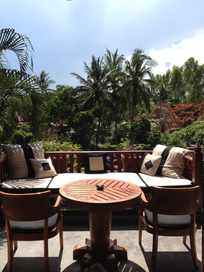 バンコクから200kmで行けるリゾートで、滞在型のホテルライフを!