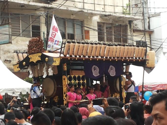 JKT48も登場!20万人が集まる日本のイベント「縁日祭」