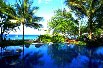 ロンボク島プライベート空間でのんびりホテル&ヴィラ