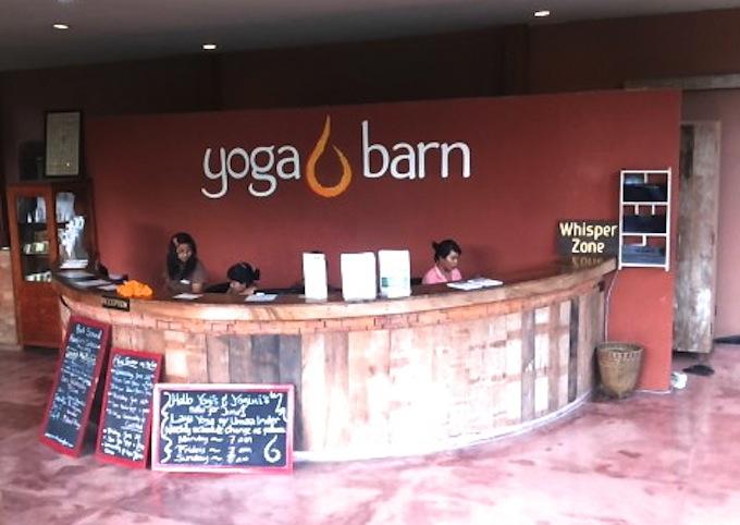 鳥のさえずりとウブドの景色でリフレッシュ!バリ島 ヨガスタジオ「yoga barn」