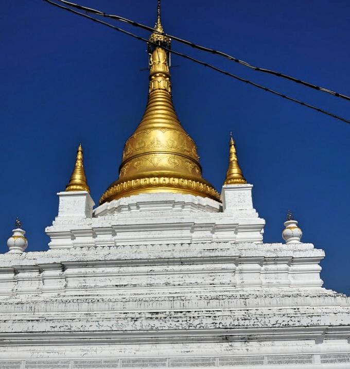 ミャンマー仏教修行の中心地に立つ「日本パゴダ」