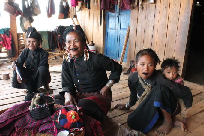 ミャンマーの少数民族を知る。独自の文化を守り暮らす人々