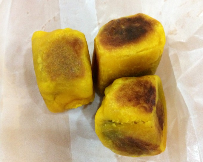 マニラ(ニノイ・アキノ)国際空港で楽しめる素朴なフィリピン菓子「HOPIA(ホピア)」