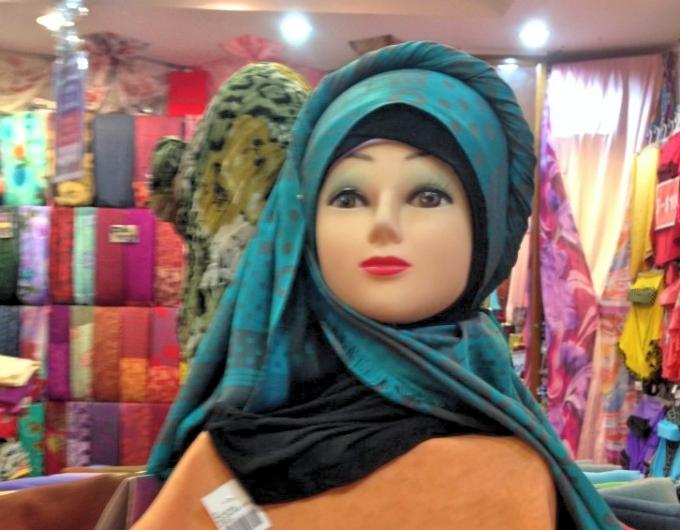 ブルネイ女性のおしゃれはスカーフから?ブルネイ風スカーフをご紹介!