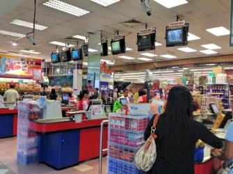 ブルネイの暮らしを感じるローカルスーパーでお土産を!