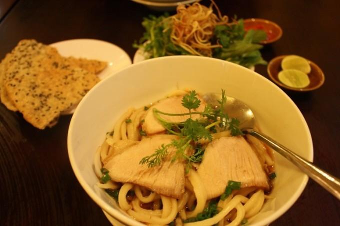 ホーチミンでホイアンの名物麺・カオラウを食べよう!~その1「FAIFO Pho hoai」~