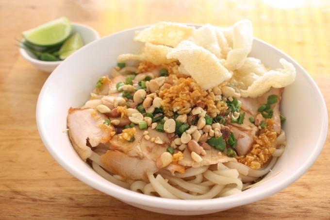 【閉店】ホーチミンでホイアンの名物麺・カオラウを食べよう!~その2「Hoi An Quan」~