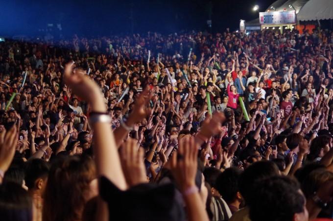 夜風に吹かれながら音楽とビールを!タイで野外音楽フェスティバルに行こう。