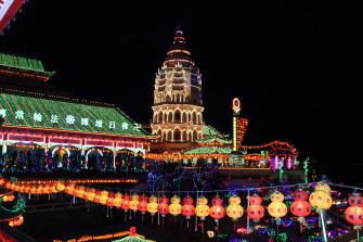 期間限定!ペナン島・極楽寺の美しいライトアップ