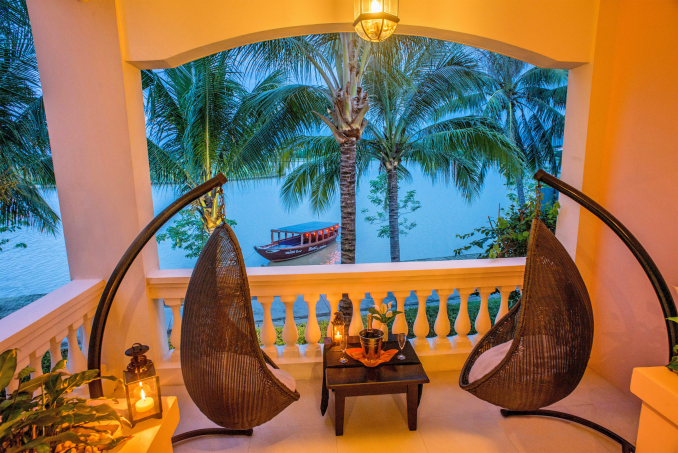 56175555-H1-Anantara_River_View_Suite_Balcony