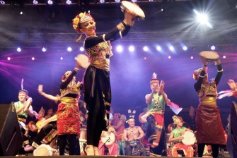マレーシアの熱帯雨林で開催される音楽の祭典