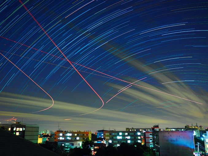 バンコクの空に思う〜雑踏の中で魅せる様々な空の表情〜