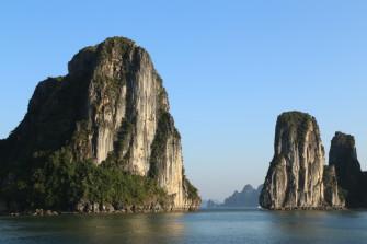 ベトナム北部の世界遺産!奇岩、洞窟、遺跡を楽しもう!