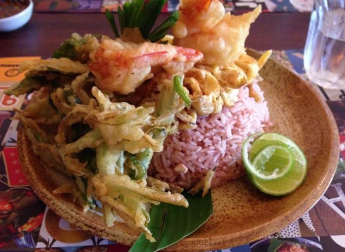 【閉店】空芯菜を使ったメニューが自慢!タイ料理店「Pak-Boong」