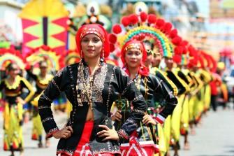 世界中から観光客が集まるフィリピン最大級の祭り
