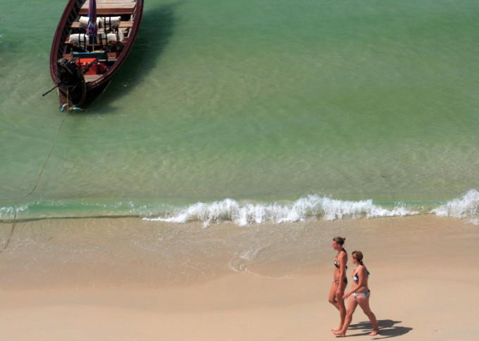 Patong Beach, Phuket *** Local Caption *** หาดป่าตอง จังหวัดภูเก็ต