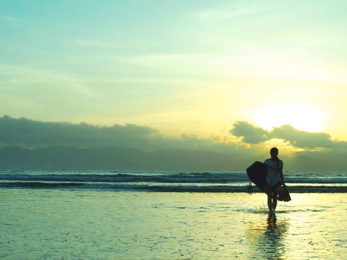 スンバワ島 極上波の宝庫「レイキーピーク」に挑む