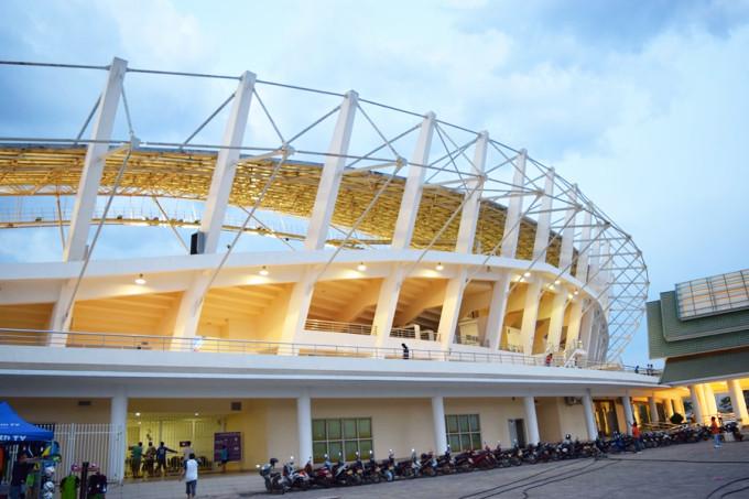 ラオスの新ナショナルスタジアム_