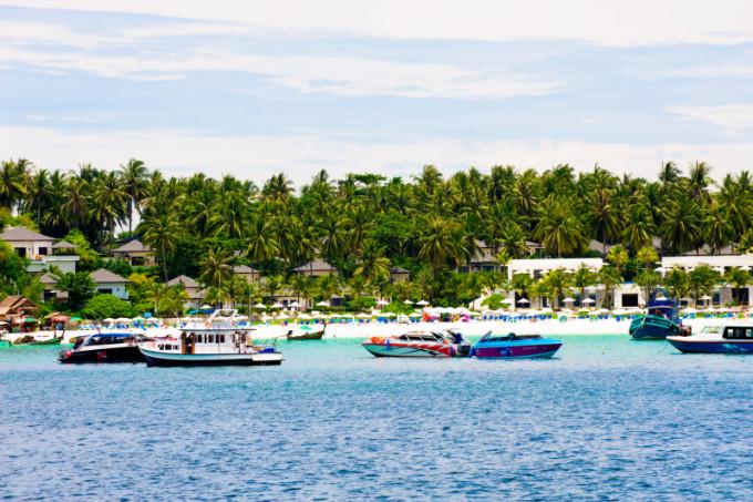 Racha Yai Island, Mu Ko Racha (Racha Island) or Raya Island, Phuket  *** Local Caption *** เกาะราชาใหญ่ หมู่เกาะราชา หรือ เกาะรายา  จังหวัดภูเก็ต