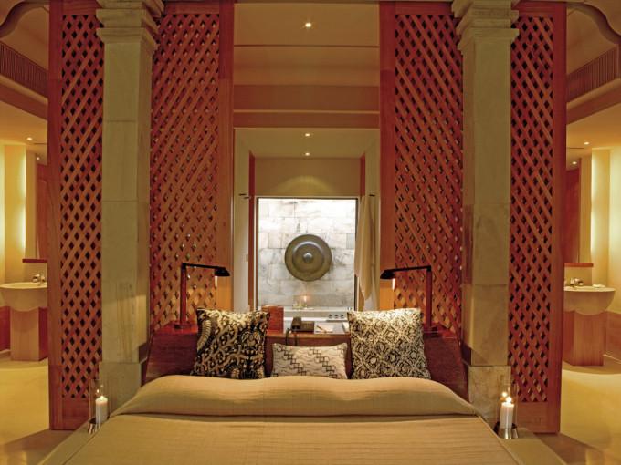 RS615_Amanjiwo - Suite Bedroom-scr