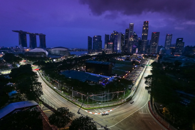 Adrian Sutil (GER) Sauber C33. Formula One World Championship, Rd14, Singapore Grand Prix, Marina Bay Street Circuit, Singapore, Practice, Friday 19 September 2014.