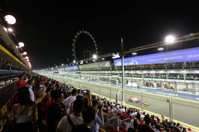 Formula One - F1 - Singapore Grand Prix 2014 - Marina Bay Street Circuit, Singapore - 21/9/14 General view of the race at the Circuit Park Mandatory Credit : Singapore Grand Prix via Action Images EDITORIAL USE ONLY