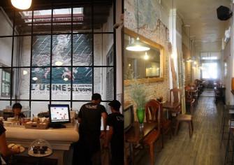 隠れ家カフェが集まるホーチミンの古いアパートメントに注目
