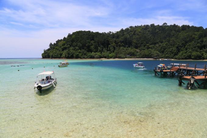 コタキナバルから15分!珊瑚礁に囲まれた離島「サピ島」