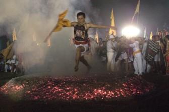 タイの奇祭!菜食と苦行の祭り「プーケット・ベジタリアン・フェスティバル」