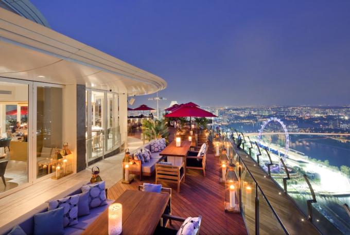 CE LA VI Restaurant Outdoor