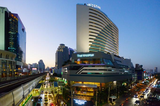 ロケーション抜群!駅に隣接するバンコクの5つ星シティホテル