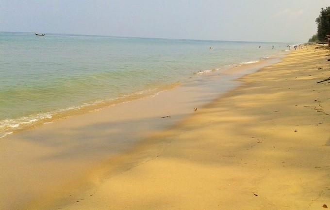 マウンマガンビーチ