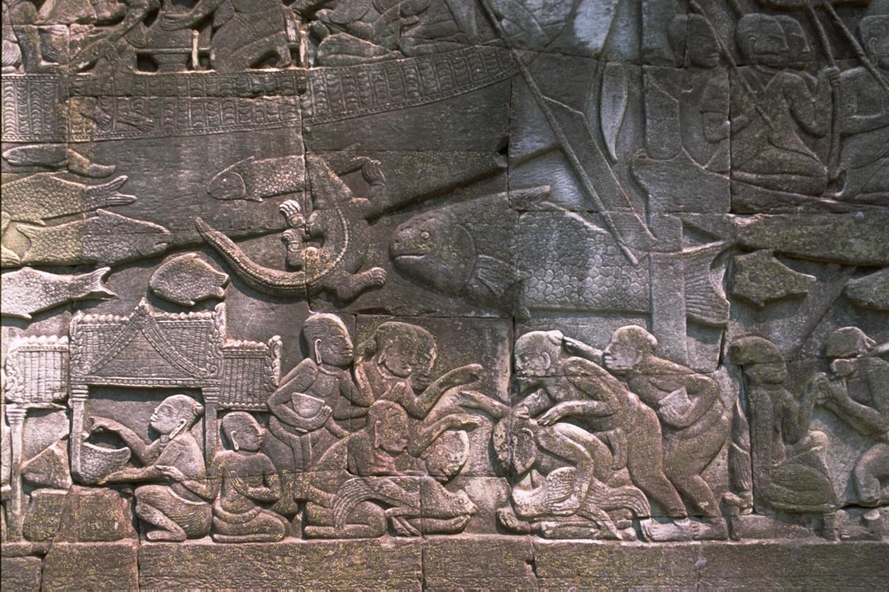 巨大な顔が刻まれた塔が象徴!アンコール遺跡群「バイヨン寺院」