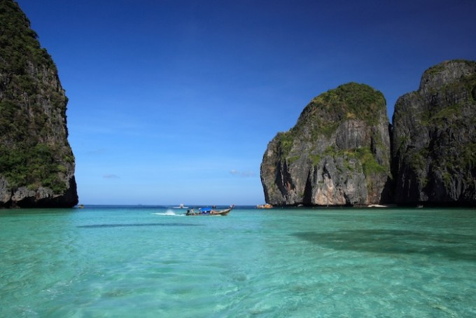 Maya Bay, Phi Phi Le Island, Hat Noppharat Thara - Mu Ko Phi Phi National Marine Park, Krabi *** Local Caption *** อ่าวมาหยา เกาะพีพีเล อุทยานแห่งชาติหาดนพรัตน์ธารา-หมู่เกาะพีพี จังหวัดกระบี่