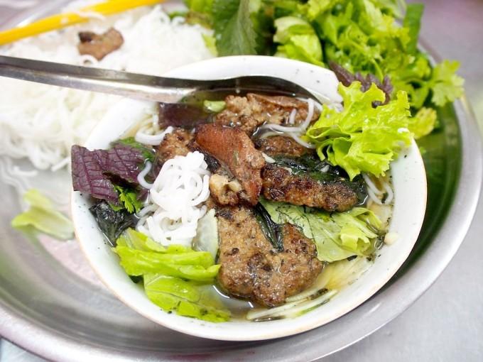 ハノイに来たら絶対食べたい2大麺料理「フォー」「ブンチャー」