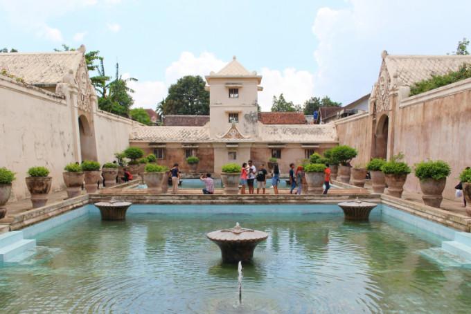 華麗なる水の宮殿!ジョグジャカルタ「タマンサリ」