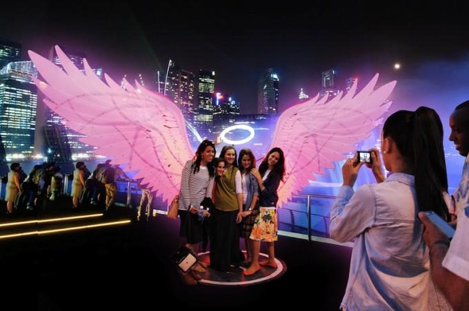 Angels of Freedom (Image credits to i Light Marina Bay 2016)