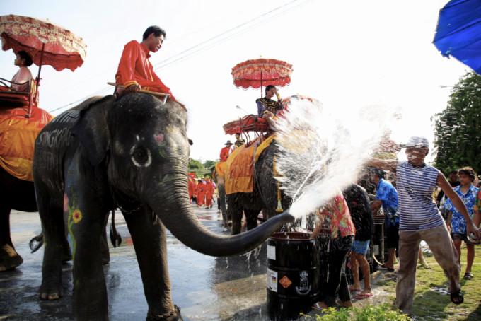 Songkran Festival 2006, Phra Nakhon Si Ayutthaya *** Local Caption *** ประเพณีสงกรานต์ปี 2549 จังหวัดพระนครศรีอยุธยา
