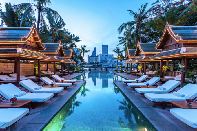 The Peninsula Bangkok_The Pool Night 06