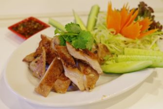 (東京・新大久保)タイ料理フリークが支持する料理人・タムさんの店