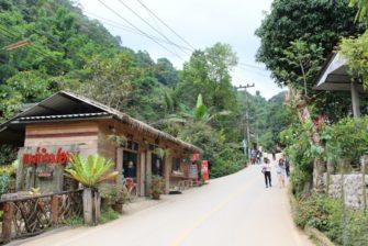 散策するだけで癒される!チェンマイ山岳の小さな村「メーンカンポン村」へ