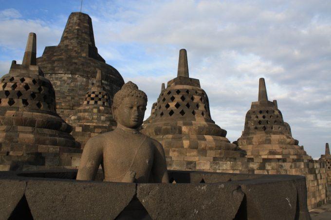 インドネシアの世界遺産ボロブドゥールとプランバナンで悠久の歴史に触れよう!