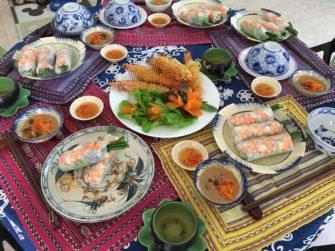旅行者も参加しやすい!日本語で習うベトナム家庭料理教室!