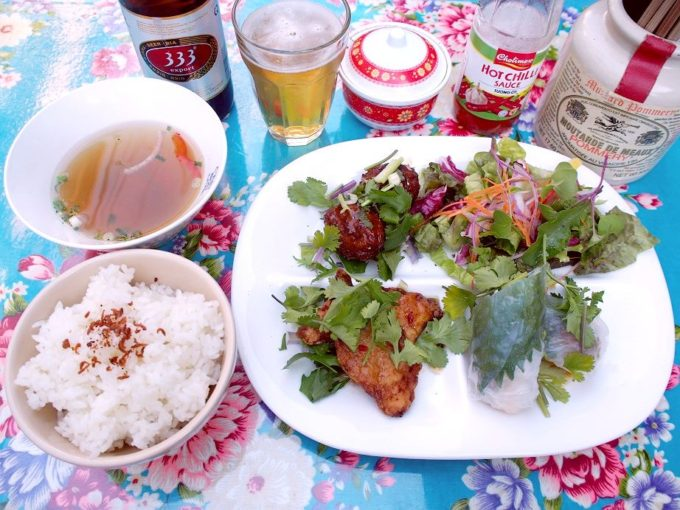 (名古屋・西区)商店街の路地裏に佇むベトナム屋台食堂「サイゴン2」