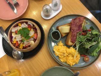オールデイ・ブレックファストが魅力!ジャカルタの朝ごはんカフェ