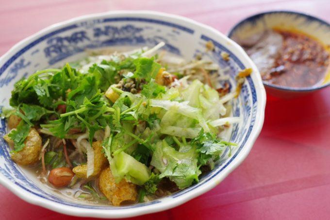 ベトナム・フエ名物のしじみ汁ご飯「コムヘン」を食べ歩き!