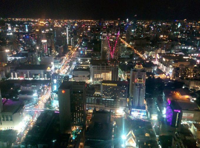大都会バンコクの夜景を見下ろすおすすめルーフトップバー3つ