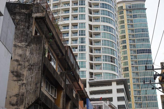 再開発の中に佇むバンコク・プラカノンの異国情緒